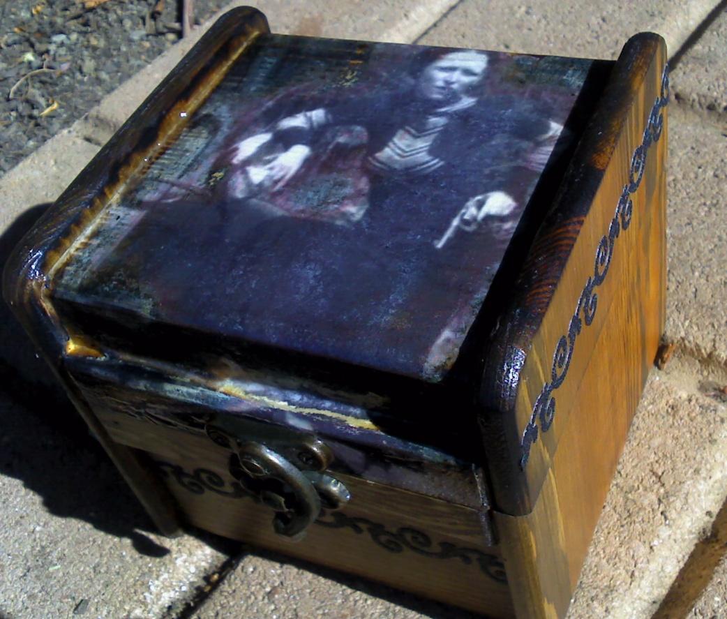 Bonnie Parker gun box