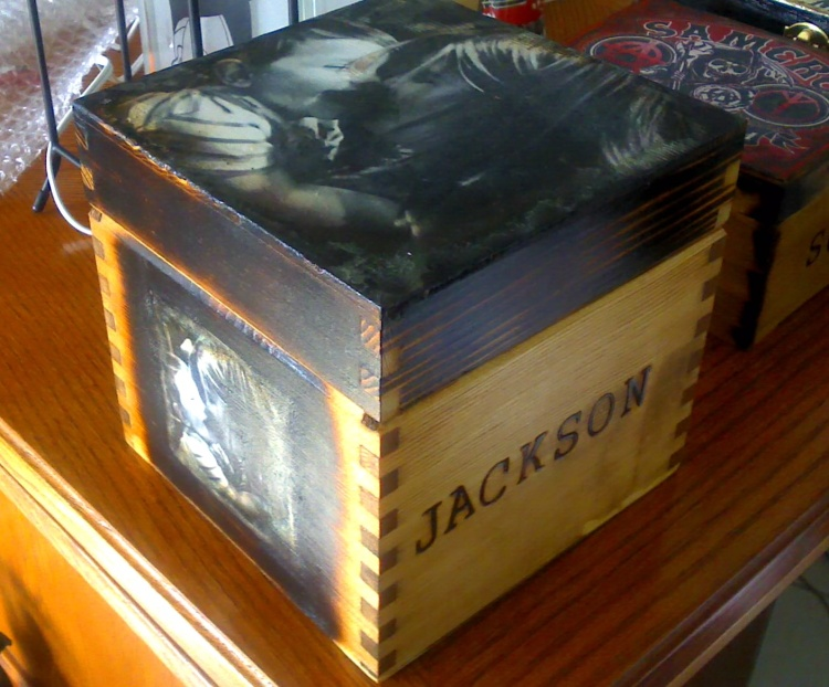 Custom box of Mother and Son