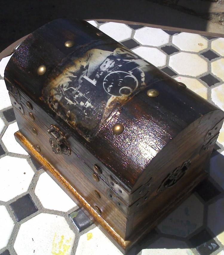 Chaplin box