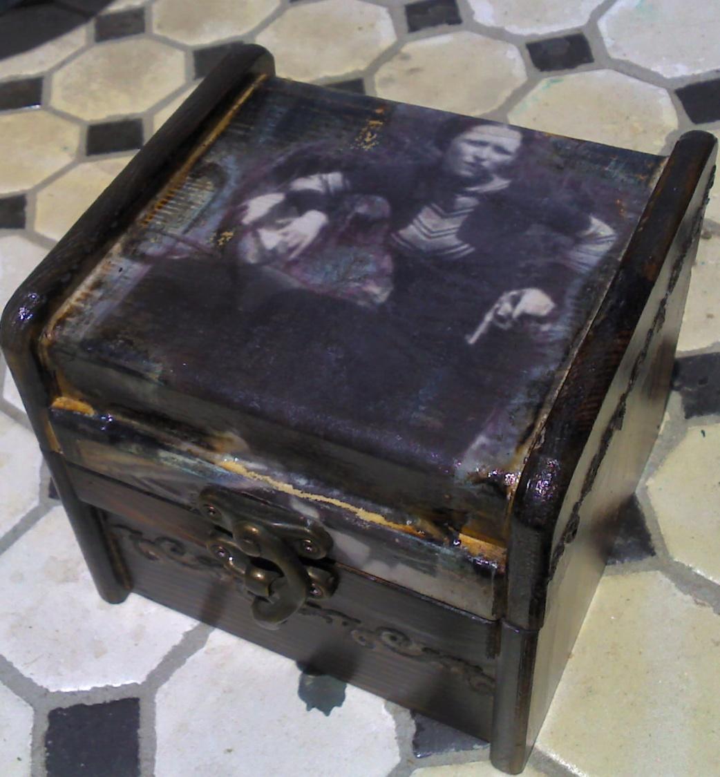 Bonnie Parker box